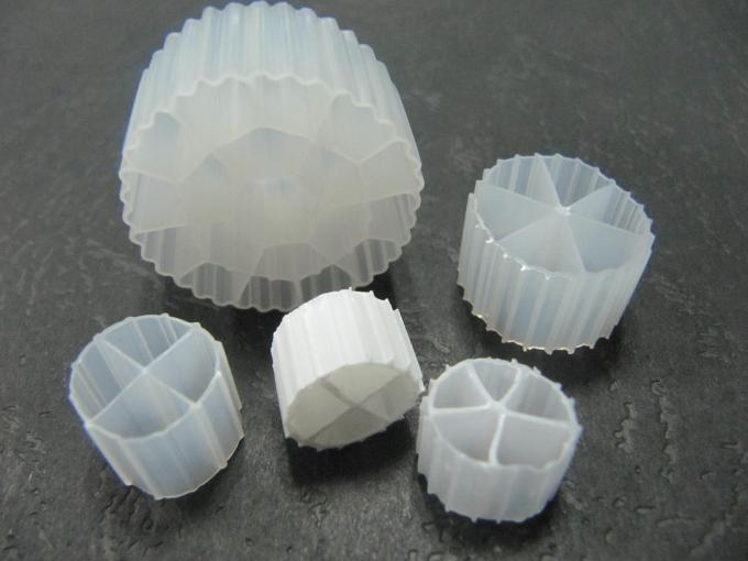 Good Surface Area MBBR Filter Media With White Color And Virgin HDPE Material For RAS